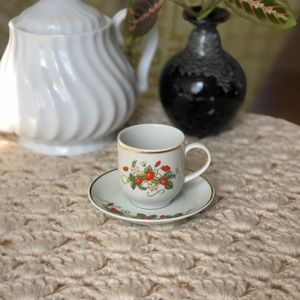 Vintage Avon Strawberry Demitasse Espresso Cup set